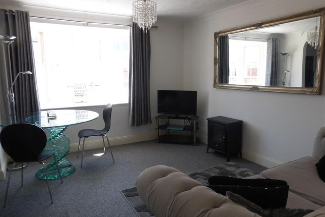 Flat for sale in Crow Lane, Rochester, Kent