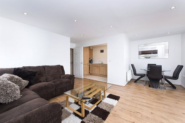 Picture No. 10 of Tingwall Court, 3 Bressay Drive, Mill Hill, London NW7
