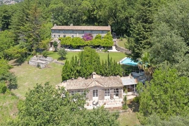 Thumbnail Property for sale in Chateauneuf-De-Grasse, French Riviera, 06740