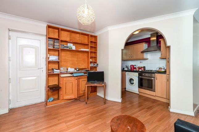 Thumbnail Flat for sale in Claude Road, Cardiff, Caerdydd