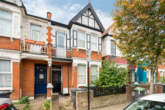 3 bed flat to rent in Mount Pleasant Road, Tottenham, London