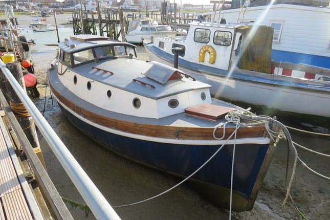 Thumbnail Houseboat for sale in Brighton Road, Shoreham-By-Sea