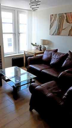 2 bed flat to rent in George Street, City Centre, Aberdeen AB25