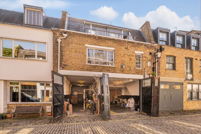 Thumbnail Mews house for sale in Leinster Mews, London