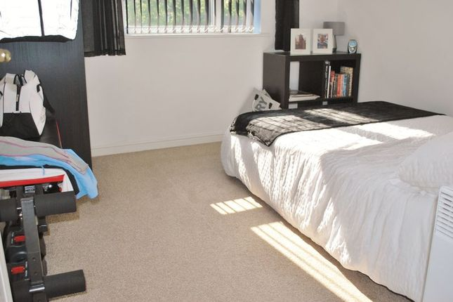 Bedroom of Philmont Court, Bannerbrook Park, Coventry CV4