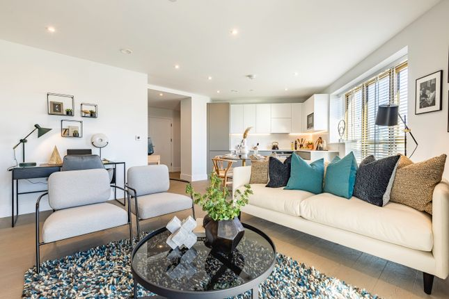 2 bed flat for sale in Lionel Road South, Kew Bridge TW8