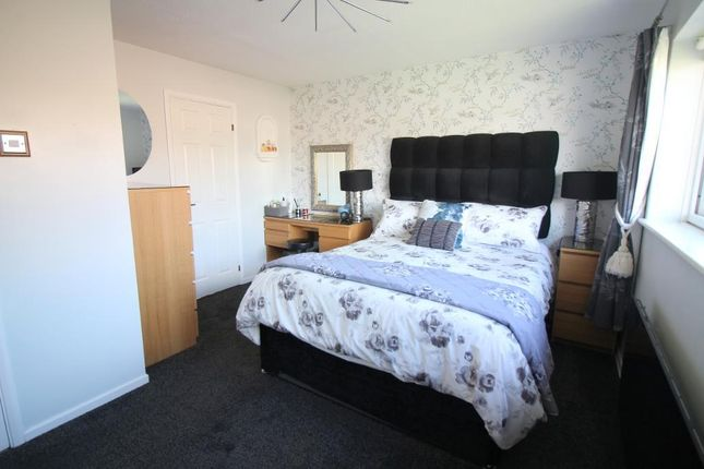 Photo 10 of Arbour Close, Luton, Bedfordshire LU3