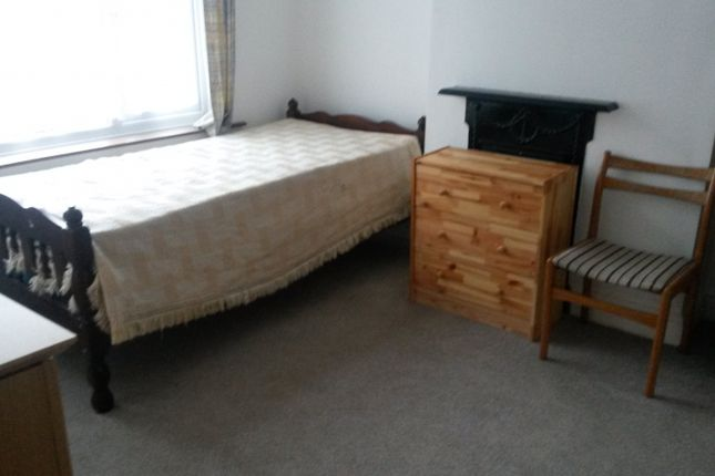 Thumbnail Shared accommodation to rent in Dunstable Road, Luton