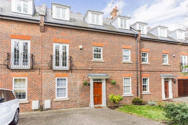 Thumbnail Terraced house for sale in Regents Drive, Woodford Green