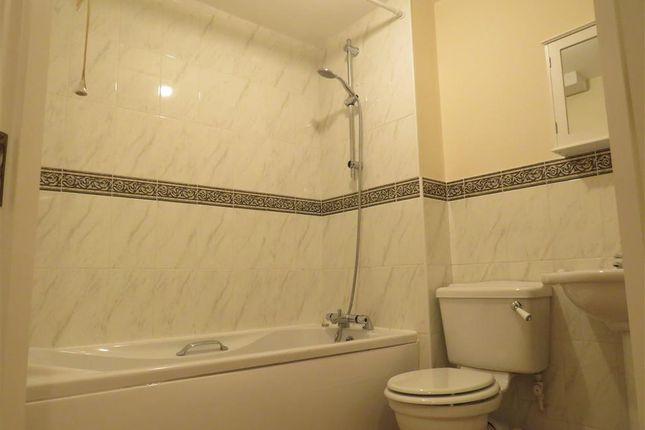Bathroom of Huggins Close, Balsall Common, Coventry CV7