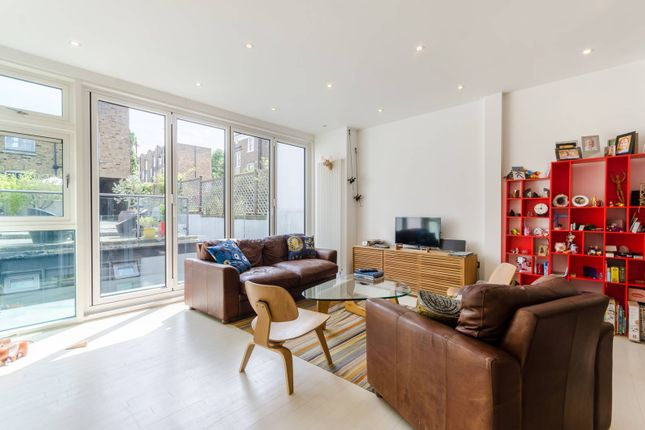 Thumbnail Property for sale in Hemingford Road, Barnsbury