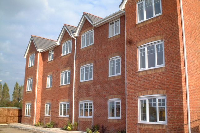 Thumbnail Flat to rent in Chandlers Way, Sutton, St Helens
