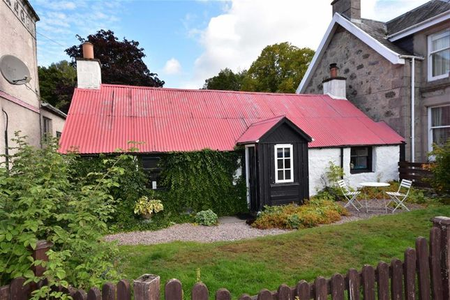 Thumbnail Cottage for sale in Dulnain Bridge, Grantown-On-Spey