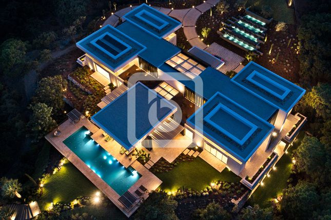 Thumbnail Villa for sale in Benahavis, Costa Del Sol, 29679, Spain