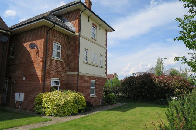 Thumbnail Town house to rent in Giffard Lane, Fleet