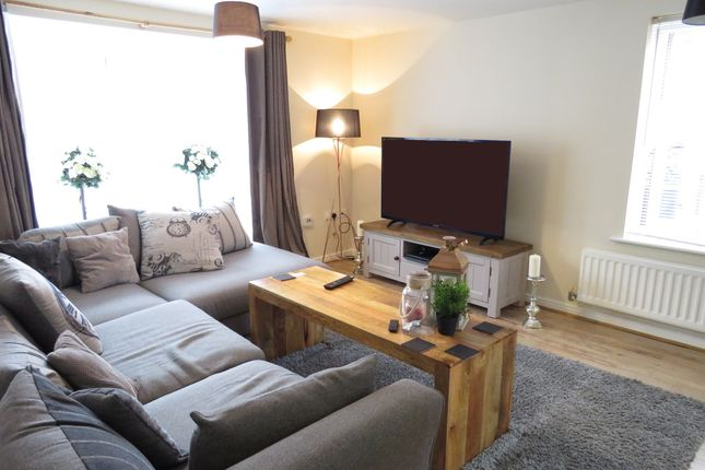 Thumbnail Flat for sale in Fulwell Close, Banbury