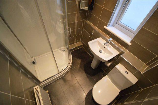 Bathroom of Durisdeer Drive, Hamilton ML3