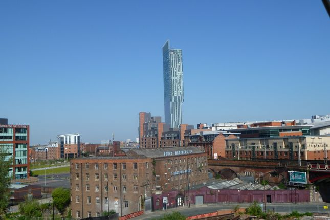 1 bed flat to rent in Beetham Tower, 301 Deansgate, Manchester M3