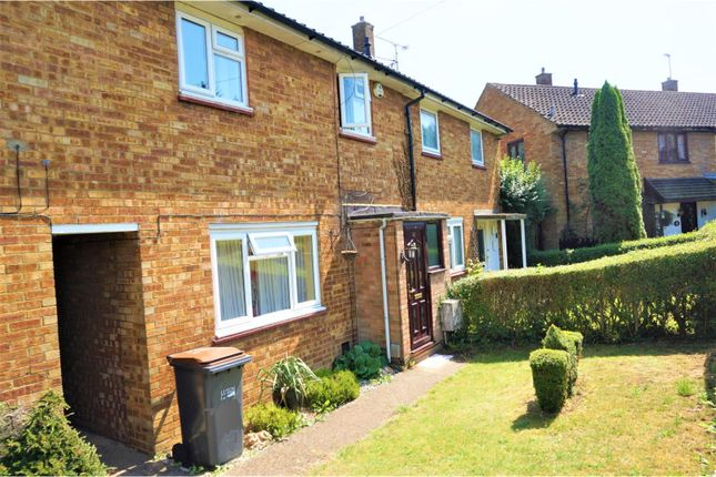 Thumbnail Terraced house to rent in Bank Close, Luton