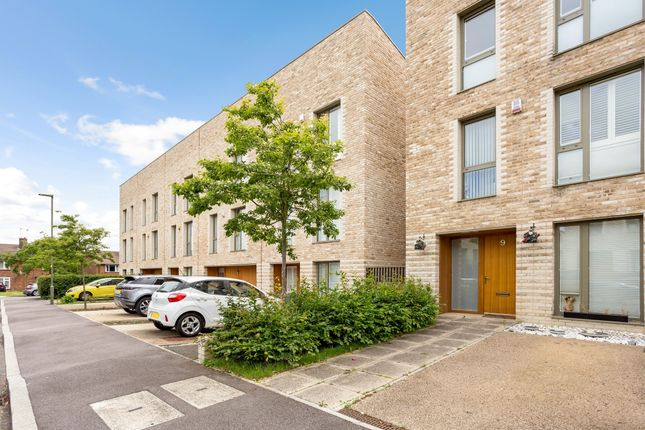 Thumbnail Flat to rent in Camborne Road, Edgware