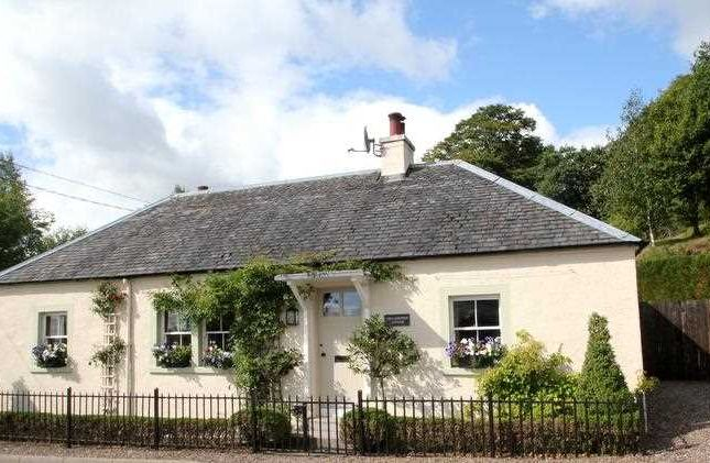 Thumbnail Detached house for sale in Upper Yetts, Dollar