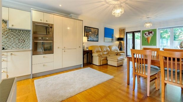 Thumbnail Town house to rent in Parish Close, Broadstairs