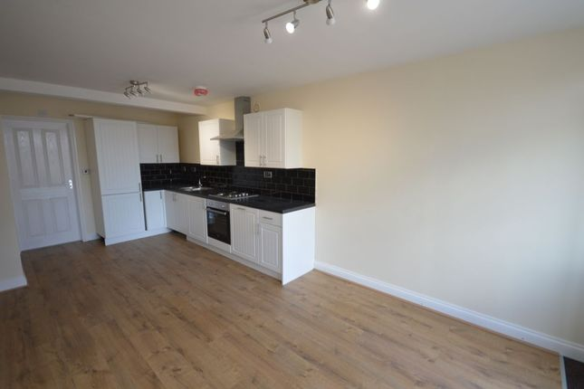 Thumbnail Flat to rent in Clarence Road, Enderby, Leicester