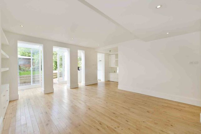 2 bed flat for sale in Mattock Lane, London