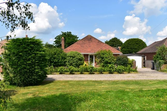 Thumbnail Bungalow for sale in Penn Road, Hazlemere, High Wycombe