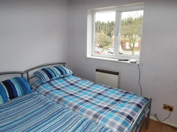 Bedroom Two of Chiltern Gardens, Waller Avenue, Luton, Bedfordshire LU4