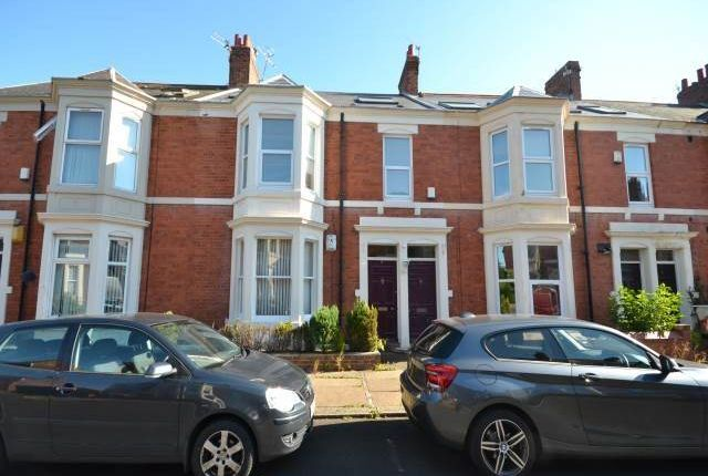 Thumbnail Flat to rent in Myrtle Grove, Jesmond, Newcastle Upon Tyne