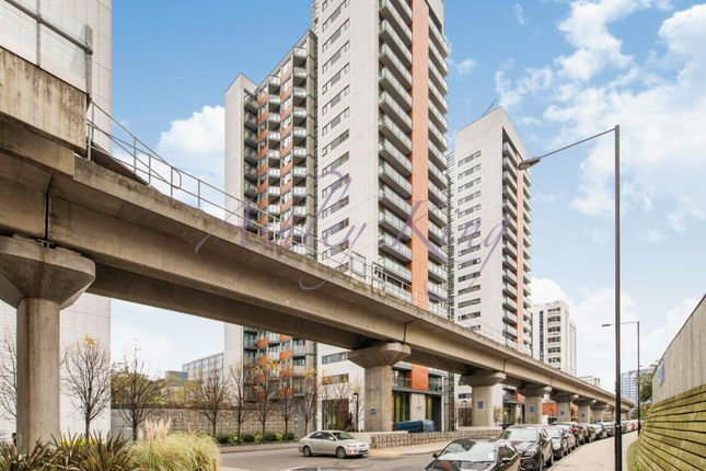 Thumbnail Flat for sale in Blackwall Way, London