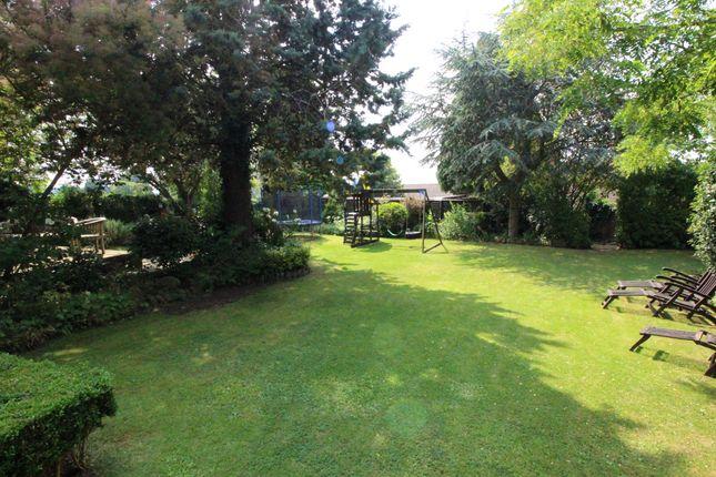 Gardens of Rectory Gardens, Drayton, Banbury OX15