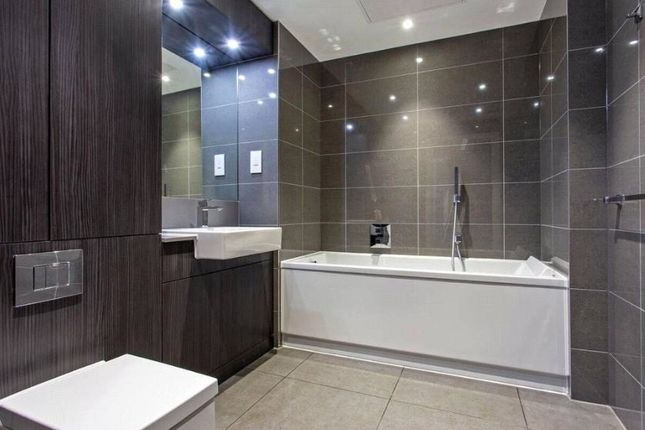 Bathroom-840 of Chandos Way, Wellgarth Road, London NW11