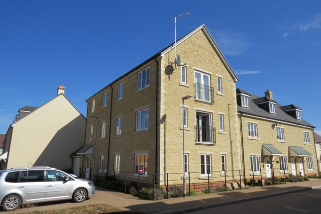 Thumbnail Flat to rent in Station Road, Calne