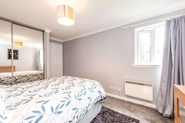 Bedroom of Dundee Court, Carron, Falkirk, Stirlingshire FK2