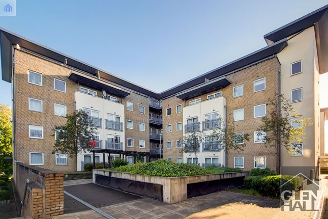 Thumbnail Flat for sale in Cline Road, Bounds Green, London, Greater London