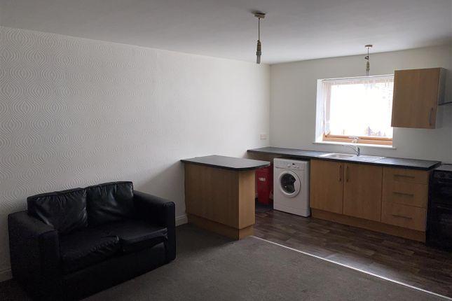Thumbnail Flat to rent in Grafton Street, Hull