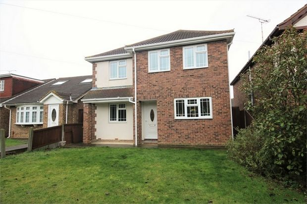 Thumbnail Detached house for sale in Tantelen Road, Canvey Island, Essex