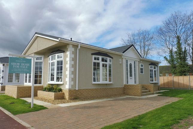 Thumbnail Mobile/park home for sale in Mandalay Park, Whittlesey, Peterborough