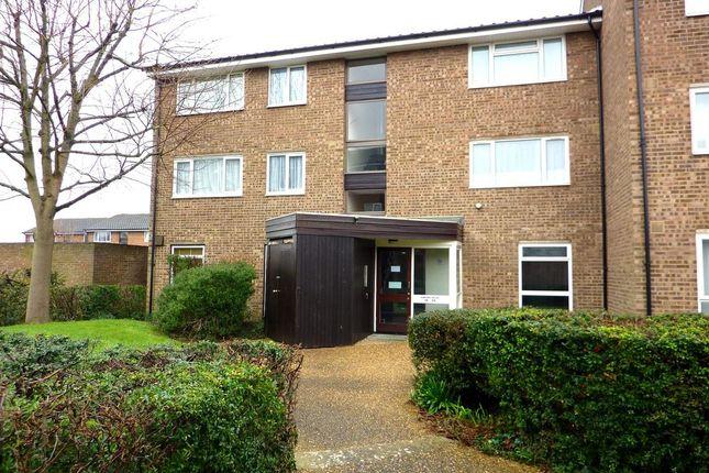 Thumbnail Flat to rent in Glendower Crescent, Orpington