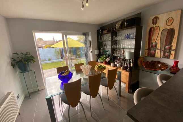 74 Castleview Dining Area (002)