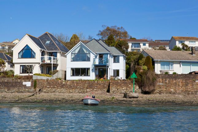 Thumbnail Flat for sale in 1 Clipper Quay, Embankment Road, Kingsbridge, Devon