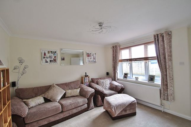 Living Room of Chestnut Close, Brize Norton, Carterton OX18