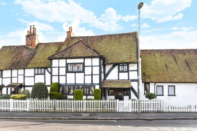 Thumbnail Cottage for sale in Highgate Lane, Farnborough, Hampshire