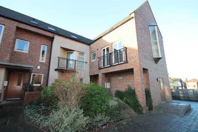 Thumbnail Flat for sale in Lawrence Square, York