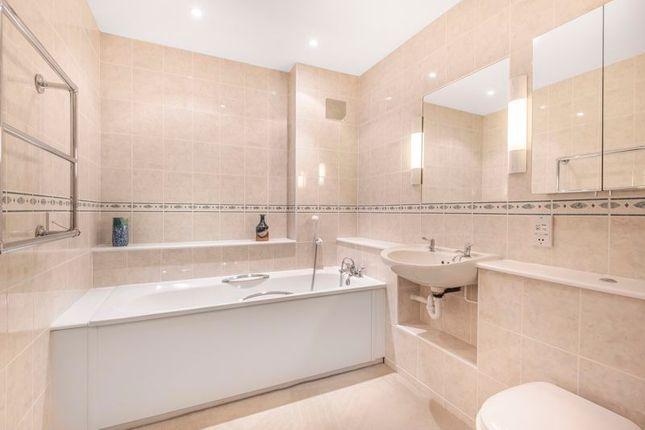Bathroom of Turnpike Court, Ardingly, Haywards Heath RH17