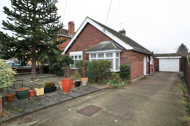 2 bed bungalow for sale in Ripston Road, Ashford