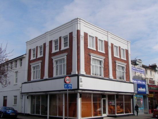 5 bed maisonette to rent in Albert Road, Southsea PO5