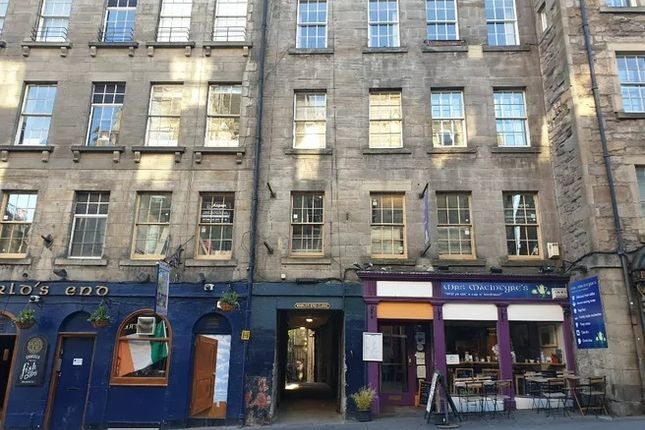 Thumbnail Flat to rent in Worlds End Close, Grassmarket, Edinburgh